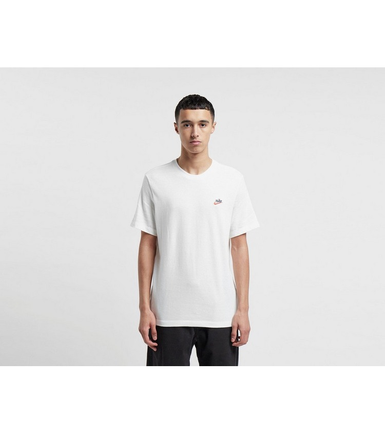 Nike Heritage Short Sleeve T-Shirt