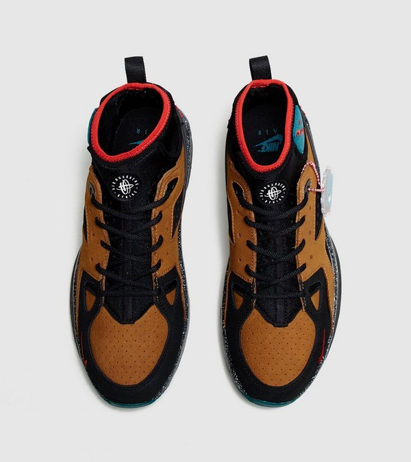 Nike x Olivia Kim Air Mowabb
