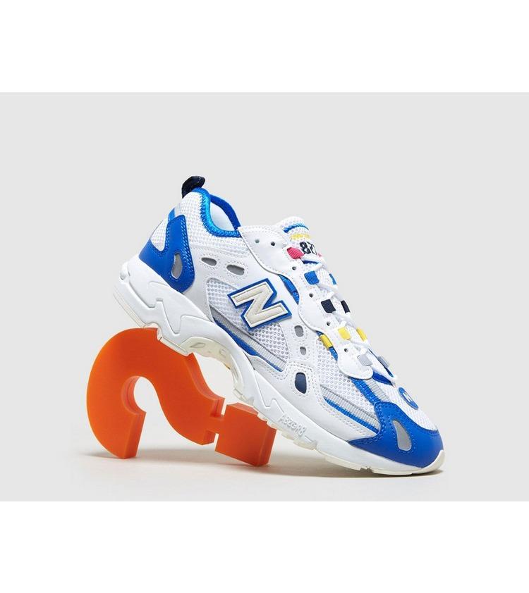 New Balance 827