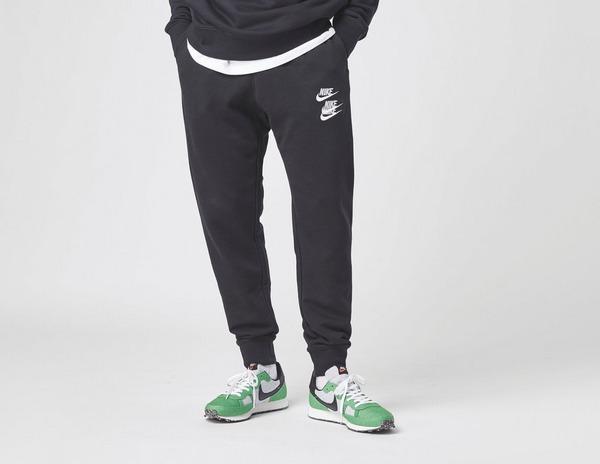 Nike World Tour Verryttelyhousut