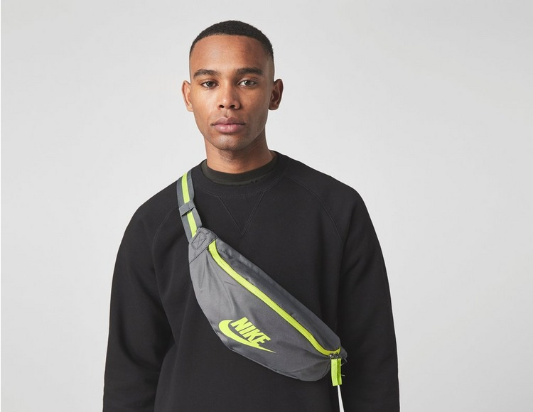 Nike Sportswear Hip Pack