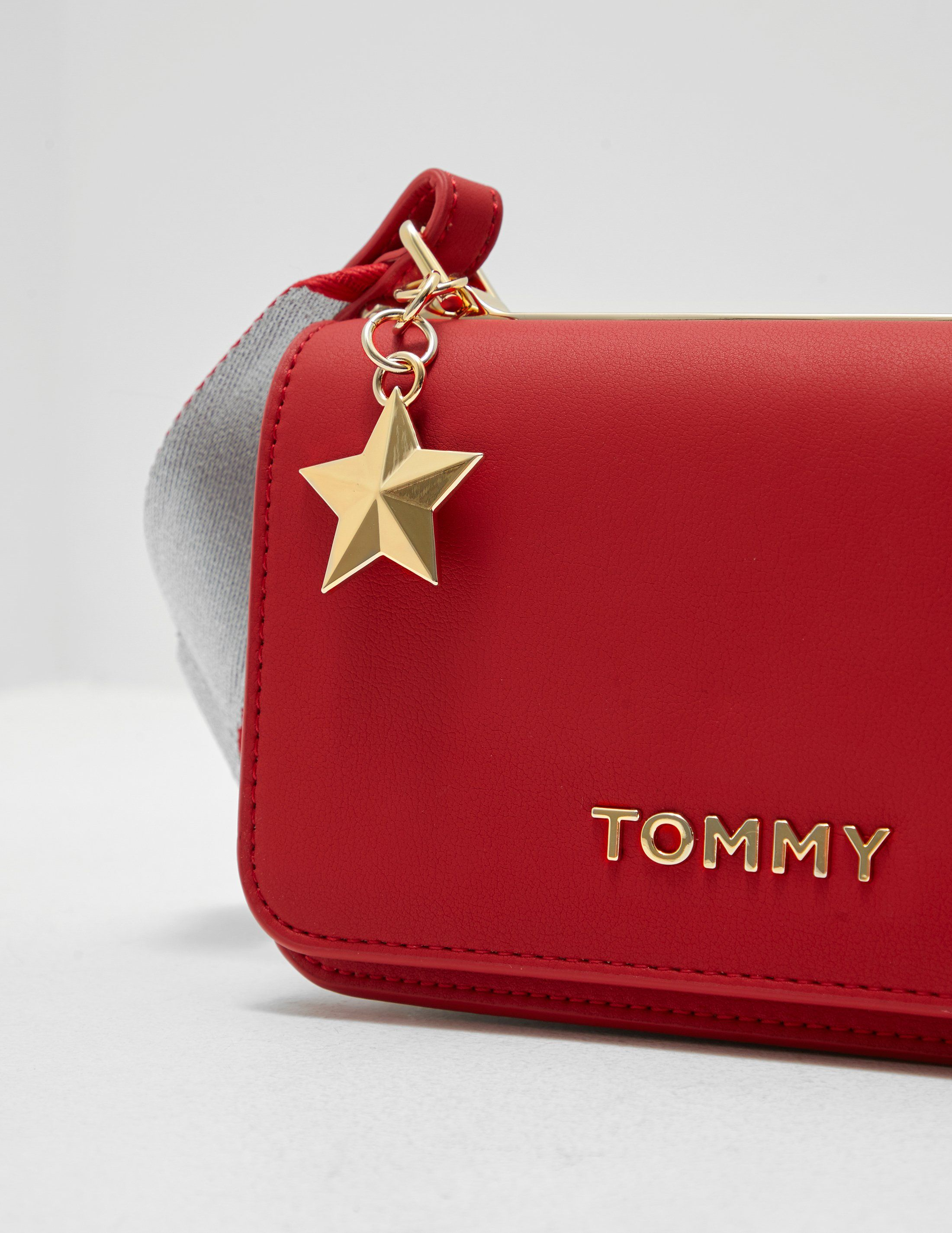Tommy Hilfiger Statement Shoulder Bag