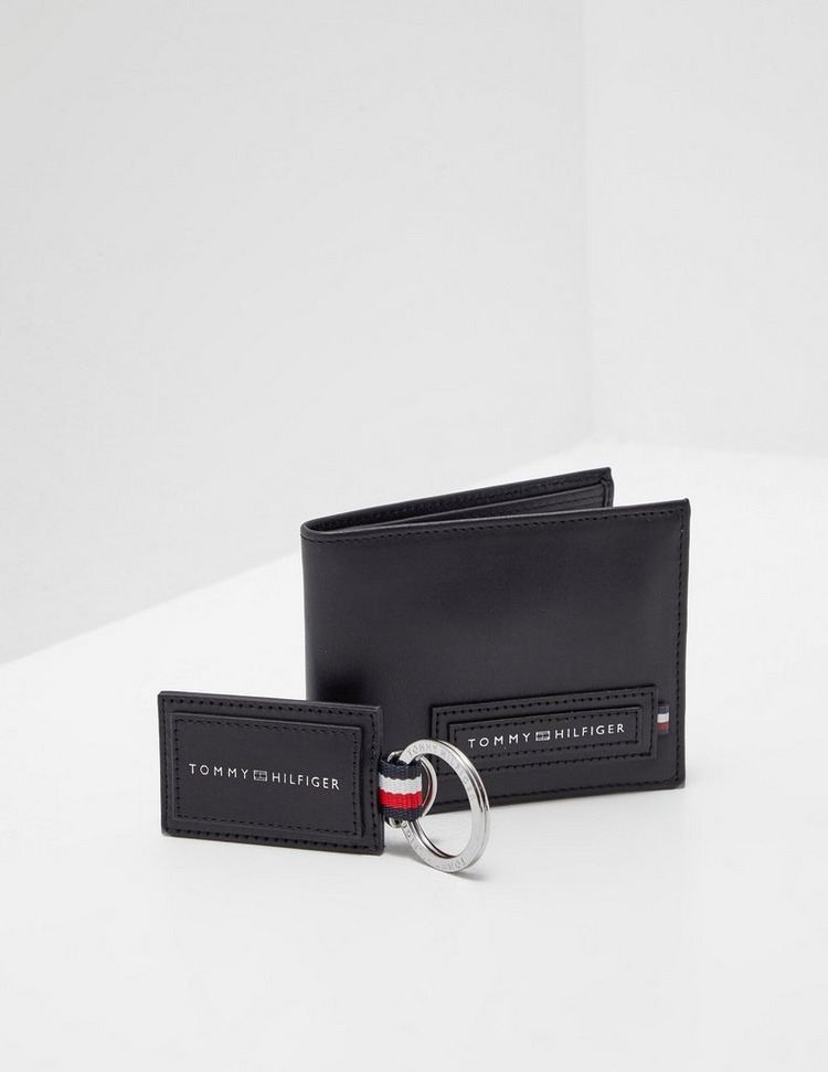 Tommy Hilfiger Wallet and Keyring Gift Set