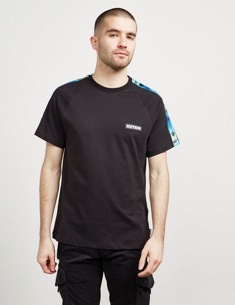 IUTER Gradient Tape Logo Short Sleeve T-Shirt
