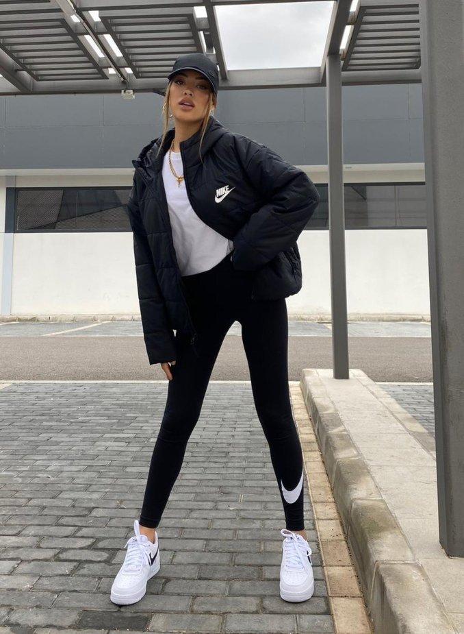 Teresa Seco con ropa deportiva Nike