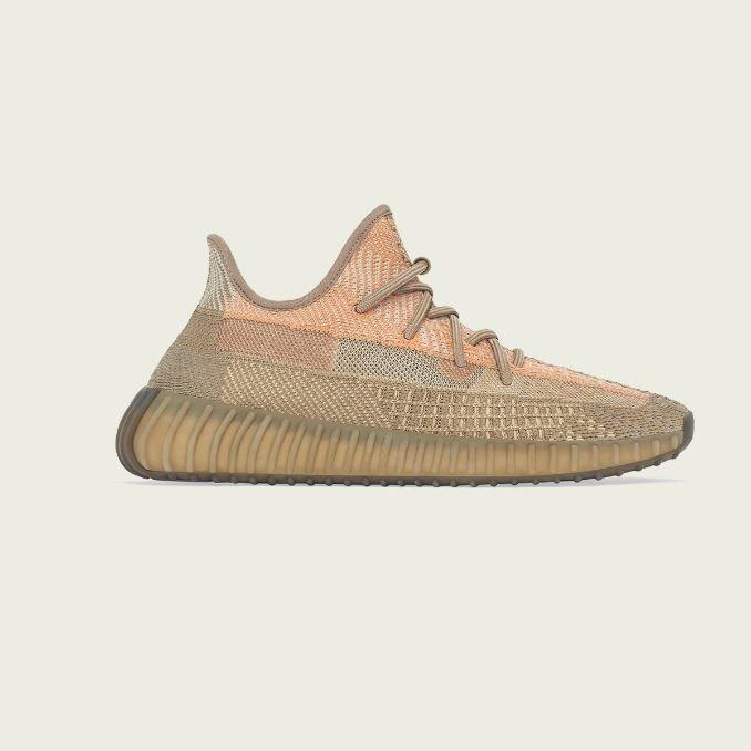 Yeezy Boost 350 V2 Sand Taupe lateral