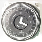 Grasslin - Time Clock 110V 15 Amp 60 Hz 24 Hour 5 Lug With Bypass On Face - 308394