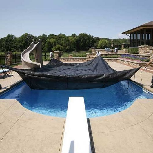 Leslie's - Pro 30 Year Commercial Mesh 16' x 36' Rectangle Safety Cover with Right Side Step, Black - 360814