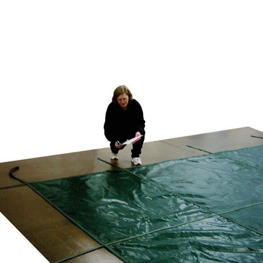 Aqua Master 16 x 36 Green Solid Safety Cover - Rectangle with Center Step