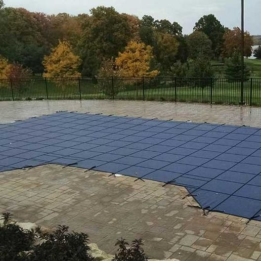 Leslie's - Pro SunBlocker Mesh 16' x 32' Rectangle Safety Cover with 4' x 8' Center End Step, Blue - 526153