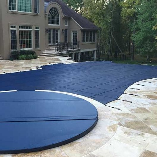 Leslie's - Pro SunBlocker Mesh 18' x 36' Rectangle Safety Cover with 4' x 8' Center End Step, Blue - 526158
