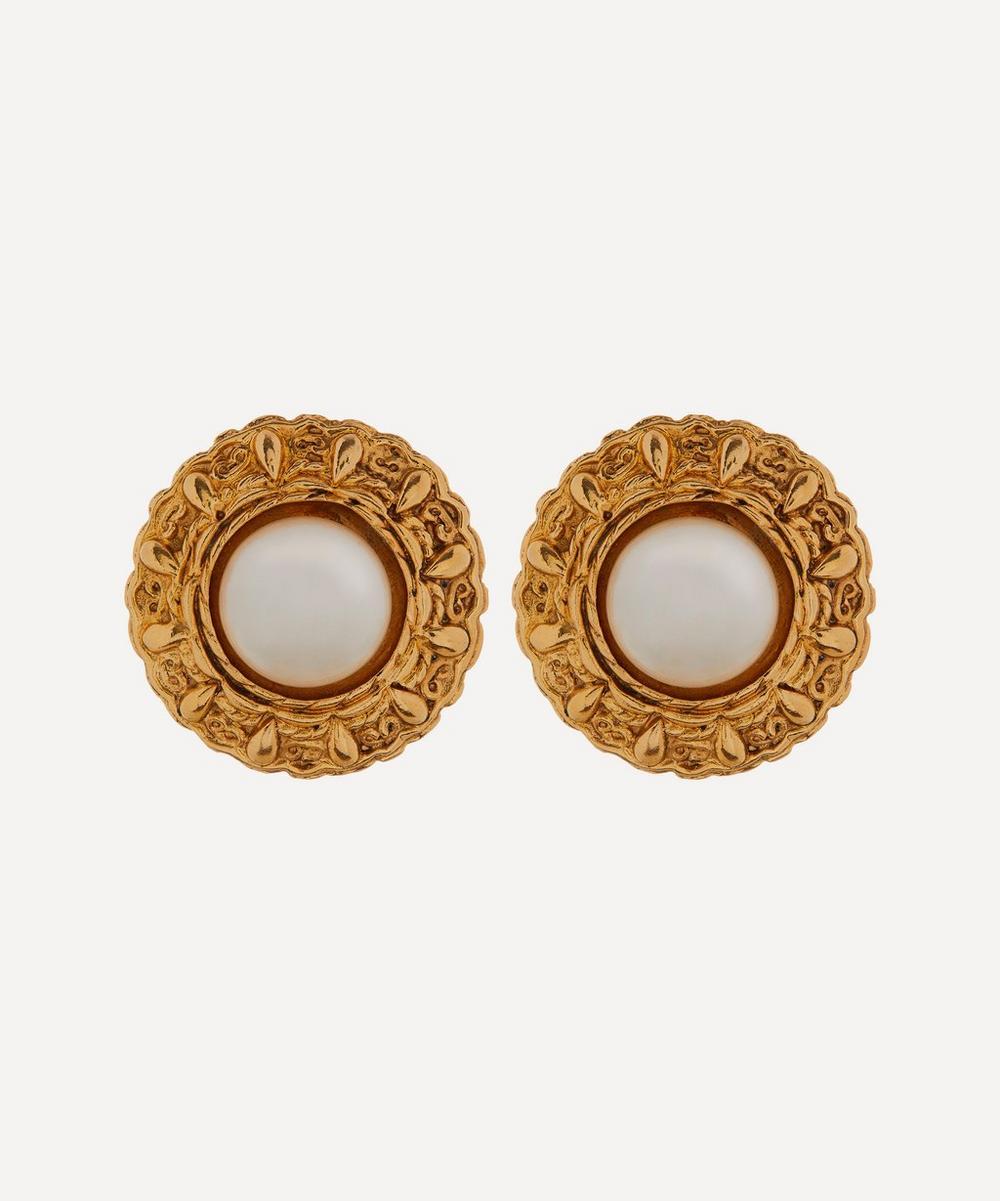 Designer Vintage - 1990s Chanel Gilt Faux Pearl Clip-On Earrings