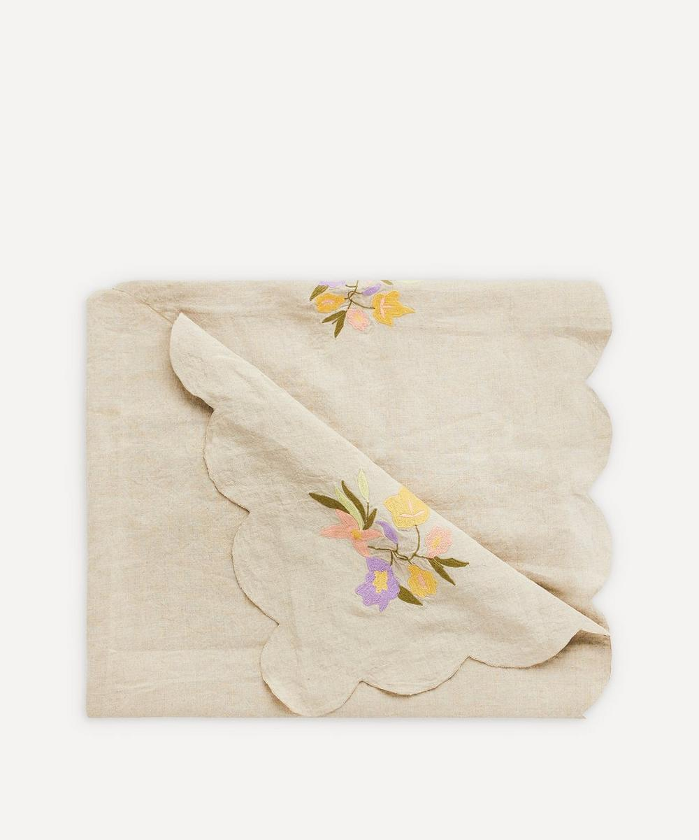 Projektityyny - Embroidered Scallop Linen Tablecloth