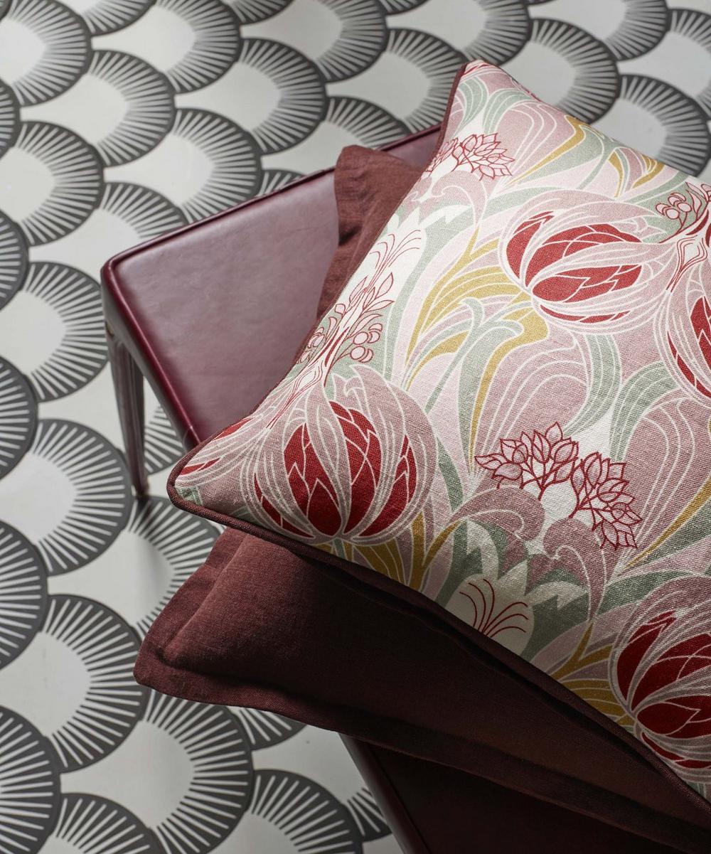 Liberty Fabrics Interiors - Katherine Nouveau Emberton Linen in Lacquer