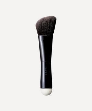 W Foundation Brush