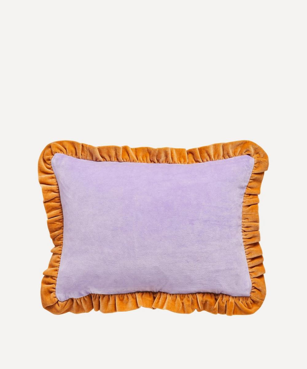Projektityyny - Leinikki Velvet Frill Cushion