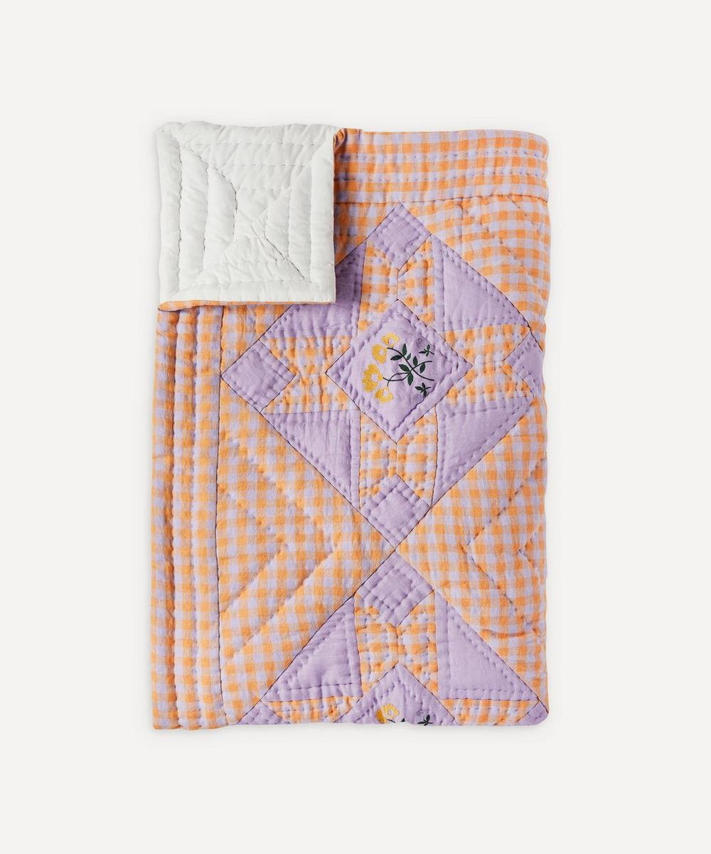 Projektityyny - Leinikki Embroidered Gingham Quilt image number 0