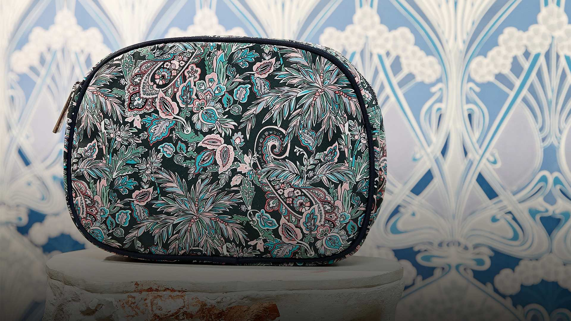 Free Liberty Makeup Bag
