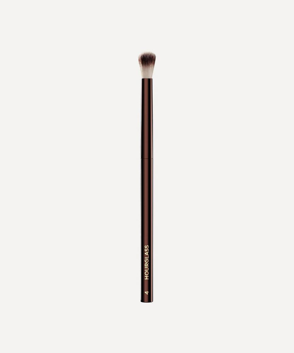 Hourglass - No.4 Crease Brush