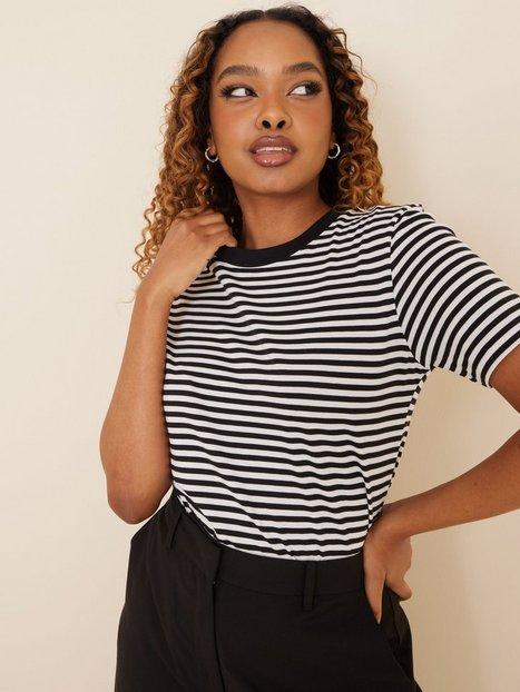 Selected Femme Slfmy Perfect Ss Tee Box Cut-Stri B T-shirts Sort