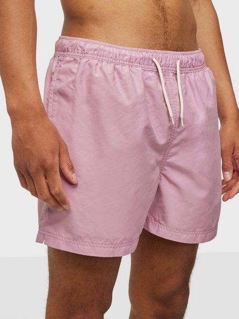 Se Selected Homme Slhclassic Colour Swimshorts W Badetøj Fragrant Lilac ved NLY Man