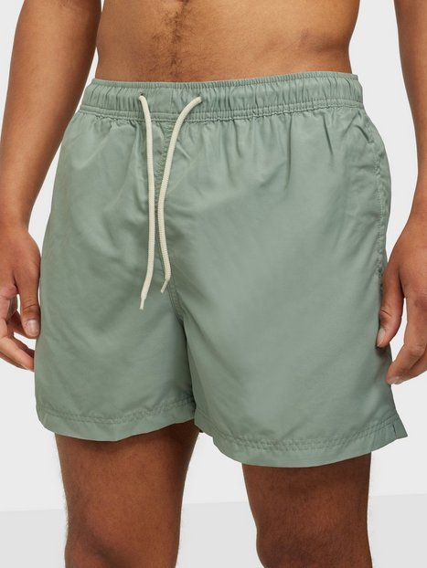 Se Selected Homme Slhclassic Colour Swimshorts W Badetøj Green Milieu ved NLY Man