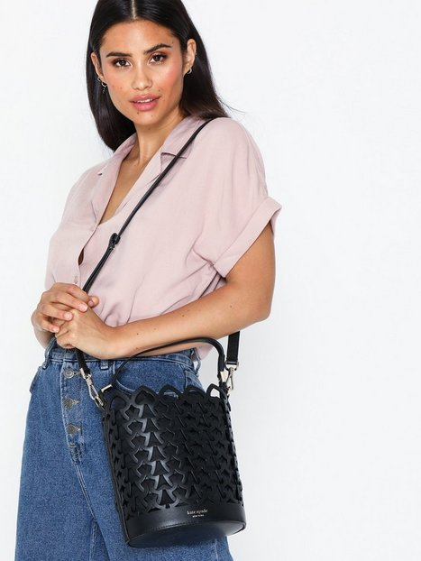 Kate Spade New York Small Bucket Bag Axelremsväskor