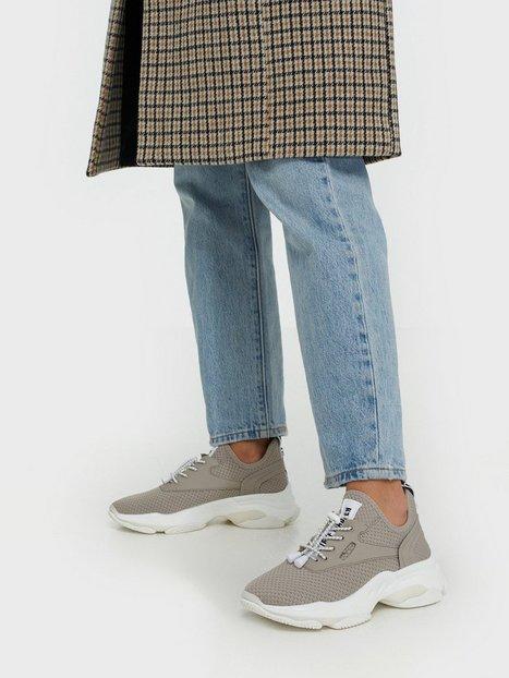 Steve Madden Match Sneaker Slip-On Taupe