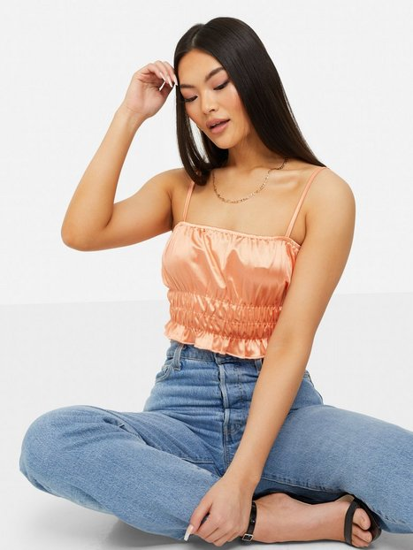 NLY One Satin Smock Crop Top Toppe Coral