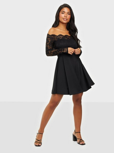 NLY One Lace Off Shoulder Skater Skater kjoler Sort