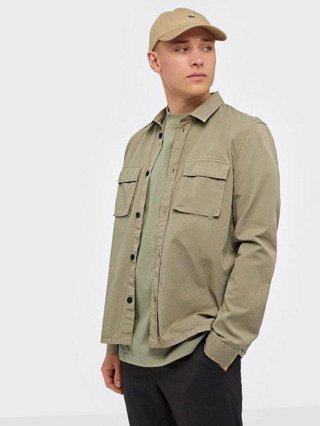Se Dr Denim Cade Shirt Skjorter Khaki ved NLY Man