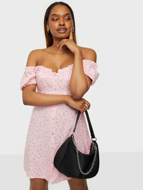 NLY Trend Flirty Button Dress Loose fit dresses Lyserød