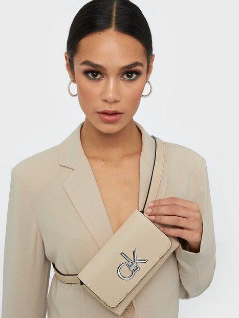 Calvin Klein Re-Lock Belt Bag Handväskor