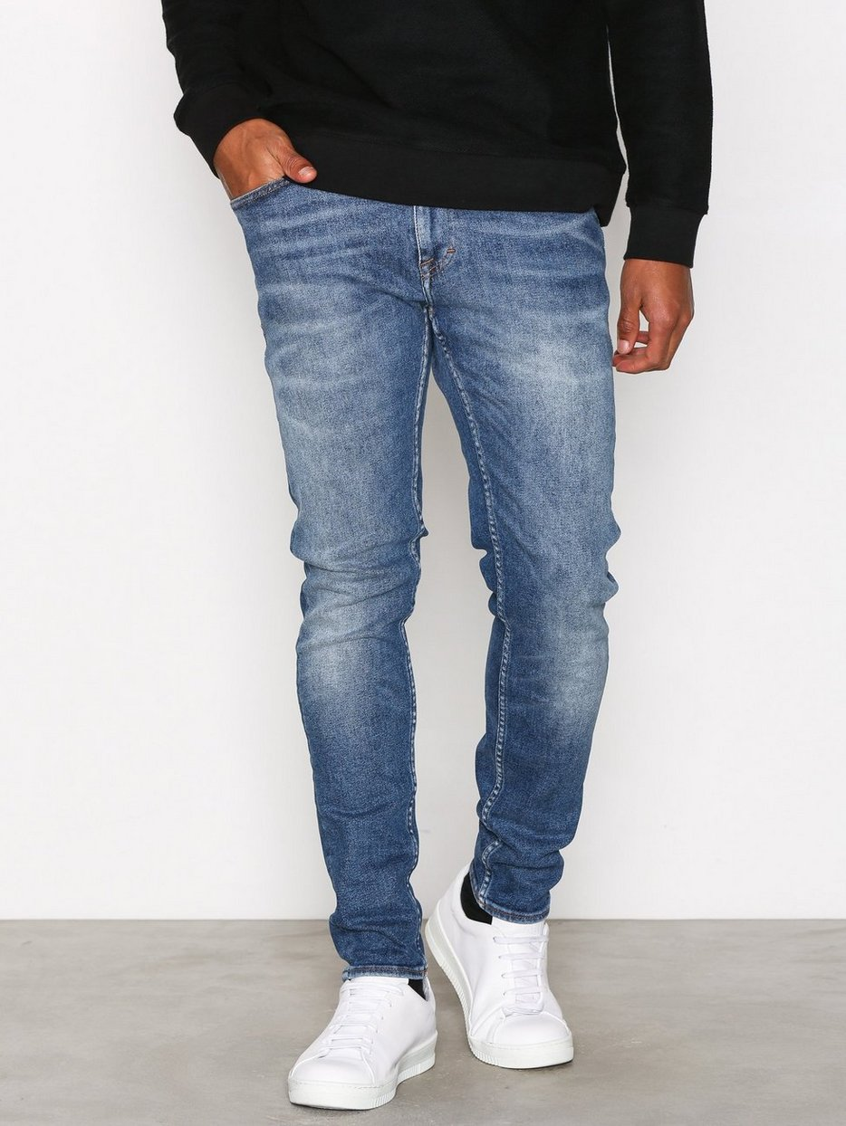 Evolve Jeans