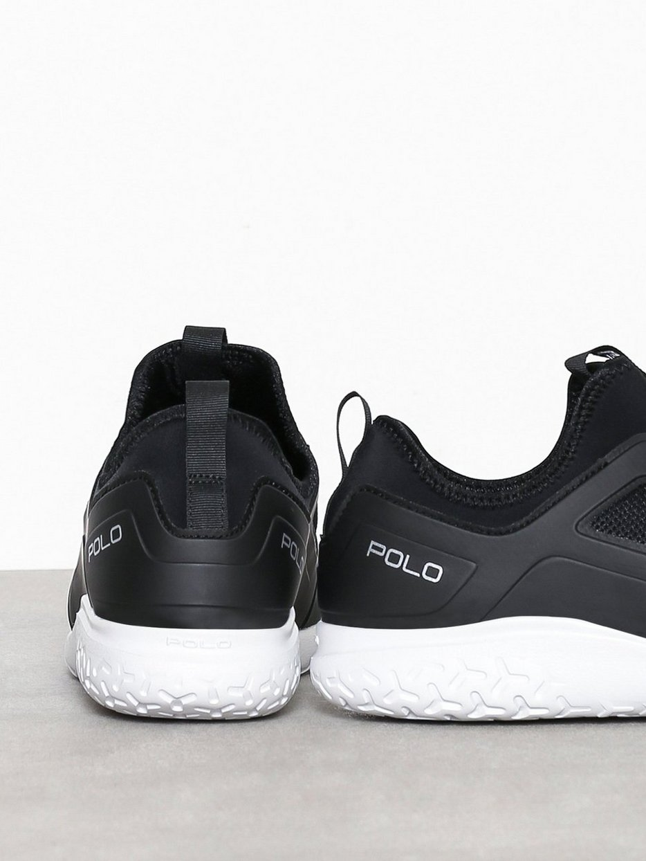 Train 150 Sneakers
