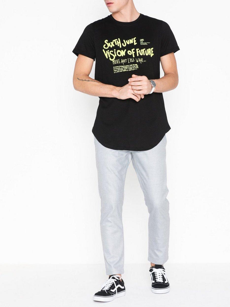 Shoppa Sixth June Peace T Shirt Svart NLYMAN.COM