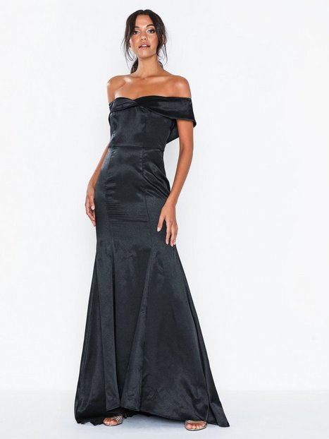 Billede af Dolly & Delicious Bardot Satin Maxi Dress with Train Maxikjoler