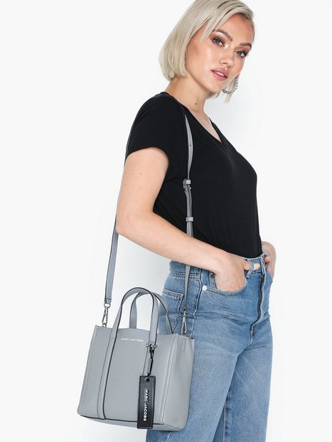 The Marc Jacobs The Tag Tote 21 Handväskor