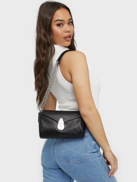 Calvin Klein Shoulder Bag Sm Axelremsväskor