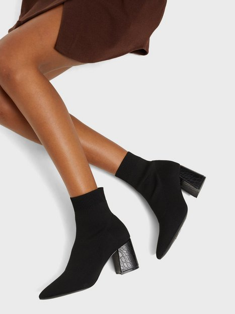 NLY Shoes Slip In Ankle Boot Heel