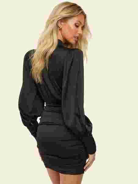 Köp NLY Trend Key Dress Beige | Festklänningar