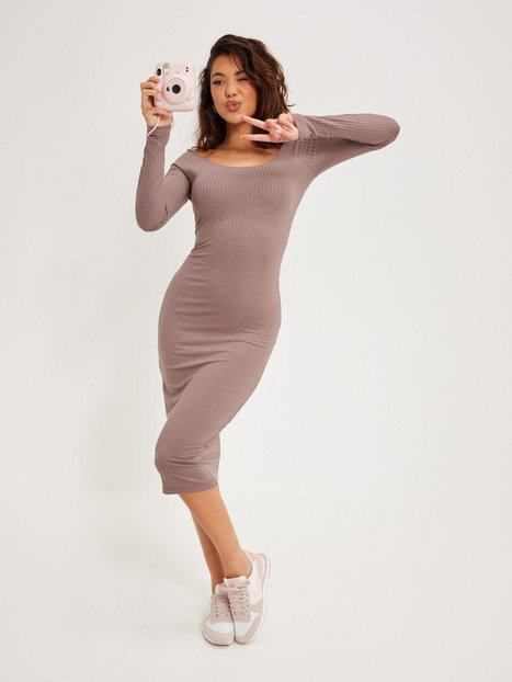 NLY Trend Rib Shoulder Dress Tætsiddende kjoler