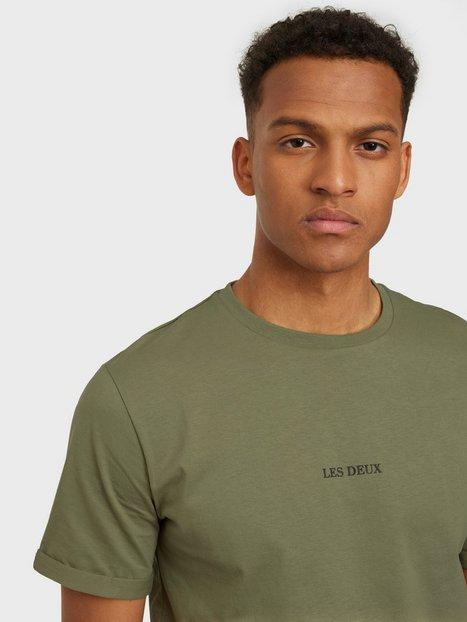 Se Les Deux Lens T-Shirt T-shirts & undertrøjer Green ved NLY Man