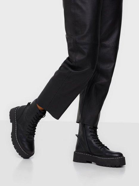 Steve Madden Skylar Bootie Flat Boots