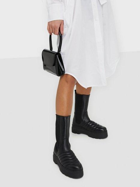Pavement Flora Flat Boots