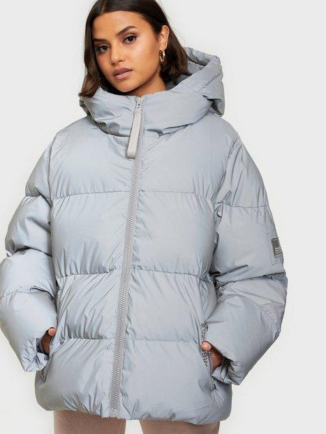 Svea Short Padded Hood Jacket Sølv