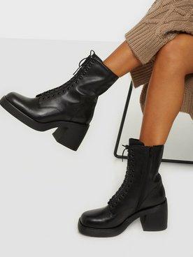 Brooke Chunky Laced Boots Svart