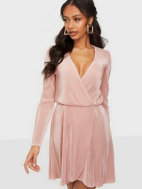 NLY Trend All I Need Pleat Dress Skater kjoler Dusty Pink