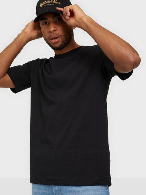Selected Homme SLHLOOSEGILMAN220 Ss O-Neck Tee s N T-shirts & undertrøjer Black