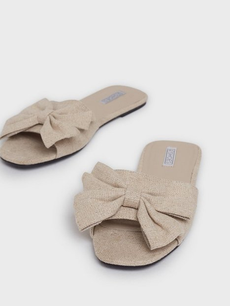 NLY Shoes Nature Feels Bow Flat Sandaler